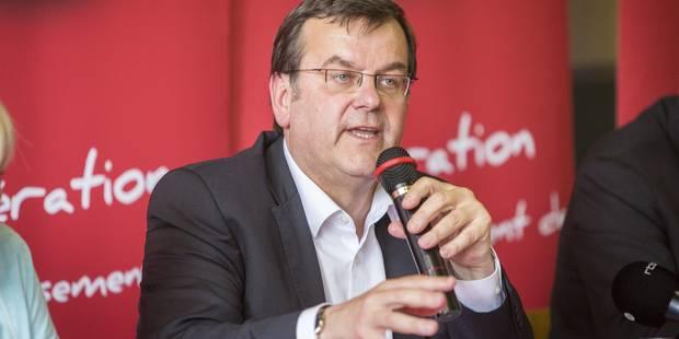 Willy Demeyer réélu à la tête de la Fédération liégeoise du PS avec 81% des voix - La Libre