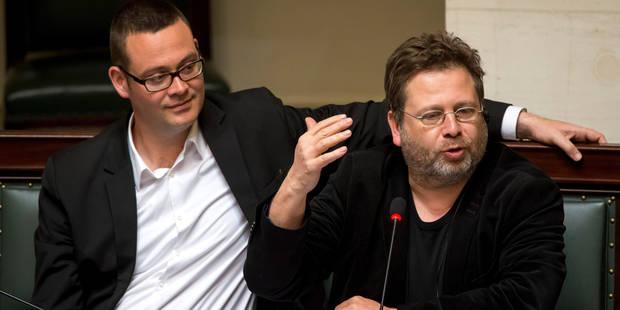 Le PTB fête un an de présence parlementaire en déposant sa taxe des millionnaires - La Libre