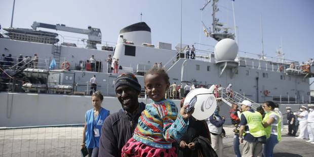 Le navire Godetia de la marine belge a recueilli 645 migrants mardi en Méditerranée - La Libre