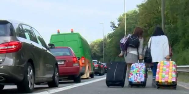 Accès à Zaventem paralysé ce lundi matin: des voyageurs rejoignent l'aéroport... à pied - La Libre