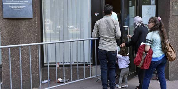 L'Office des étrangers refuse une cinquantaine de demandeurs d'asile - La Libre