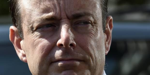 Le PS, Ecolo, le CDH et le CD&V dénoncent les propos de Bart De Wever sur les réfugiés - La Libre