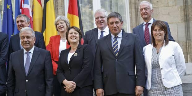 """Thalys: """"Pas question de revenir sur Schengen"""", assure le ministre Jambon - La Libre"""
