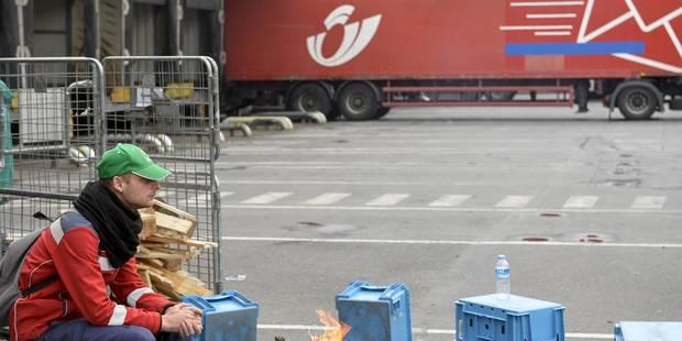 Grève bpost : sans réponse de la direction, le mouvement se poursuit dans les centres de tri touchés - La Libre