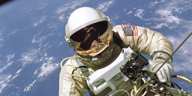 Deux astronautes sortent plus de 7 heures dans l'espace pour réparer l'ISS - La Libre