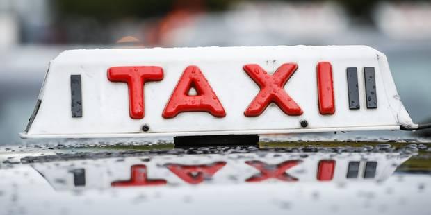 Un cycliste renversé par un taxi à Bruxelles - La Libre