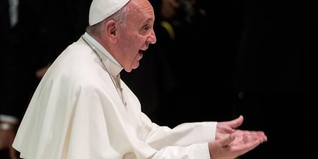 Immigration: le pape donne à Lampedusa une croix offerte par Raul Castro - La Libre