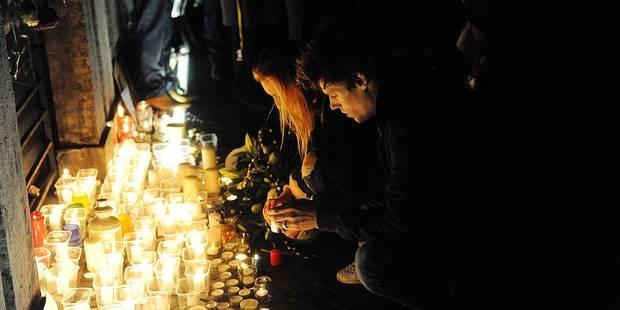 Une minute de silence après Paris - La Libre