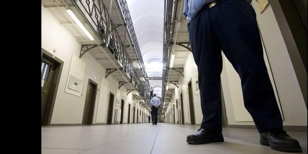 Un ex-détenu explique comment, en prison, on radicalise les petits délinquants - La Libre