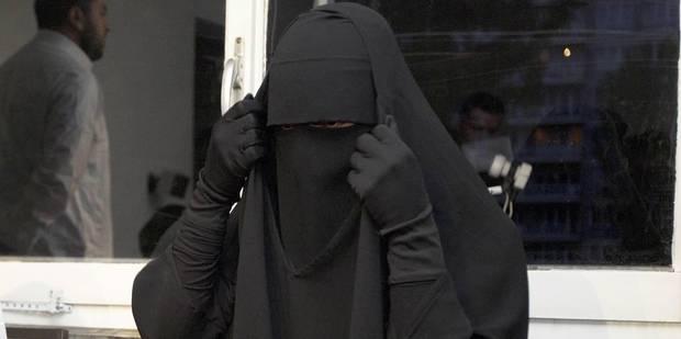 Dix-huit mois de prison pour la femme contrôlée en niqab à Jette - La Libre
