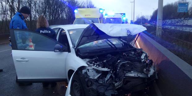 Trois blessés lors d'une collision en chaîne sur le R3 à Bouffioulx (PHOTOS) - La Libre