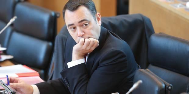 Le ministre Prévot refuse de toucher aux allocations familiales d'un élève brosseur - La Libre
