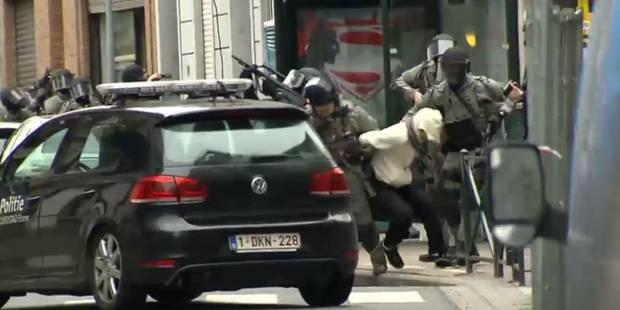 Arrestation de Salah Abdeslam: les vidéos de l'assaut de la police - La Libre