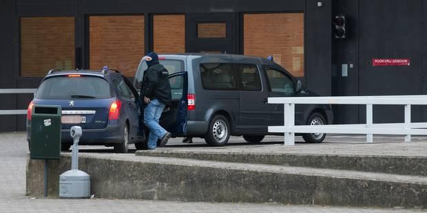 """Abdeslam soumis à un régime de sécurité """"individuel et particulier"""" à la prison de Bruges - La Libre"""