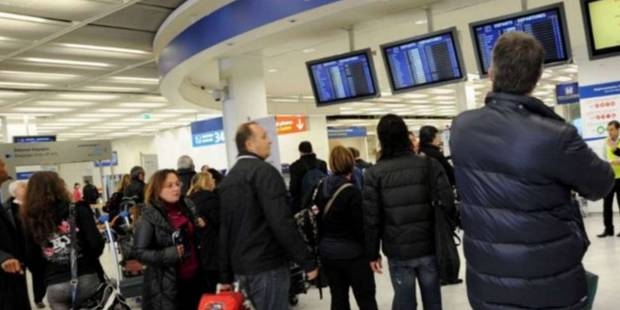 France: une grève des contrôleurs aériens cause des retards et annulations de vols - La Libre