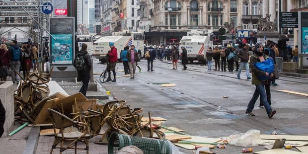 Incidents dans le centre de Bruxelles: 100 fans du Standard arrêtés (PHOTOS ET VIDEOS) - La Libre