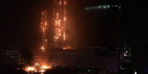 Emirats arabes unis: spectaculaire incendie dans des tours d'habitation (Vidéos) - La Libre