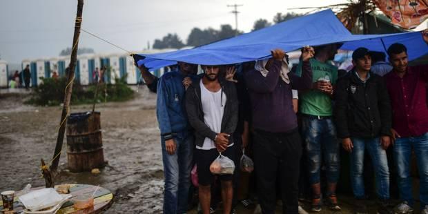 Pic de tension à Idomeni, près de 300 migrants blessés en tentant de passer en Macédoine - La Libre