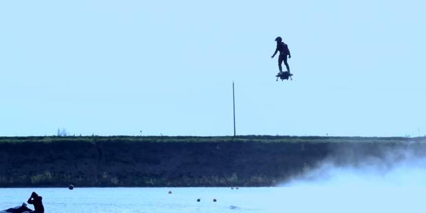 Le Flyboard Air fait décoller son pilote dans les airs - La Libre