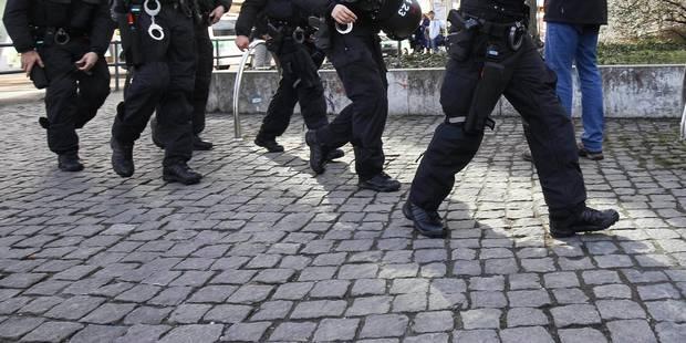 """Cinq arrestations pour """"infractions terroristes"""" à Birmingham - La Libre"""