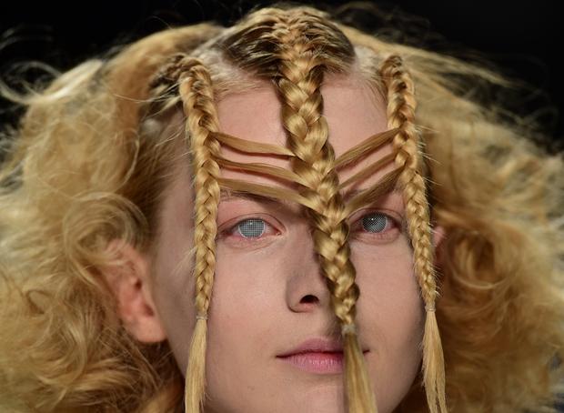 Coiffure tresse detache votre nouveau blog l gant la coupe de cheveux - Coiffure mariage detache ...