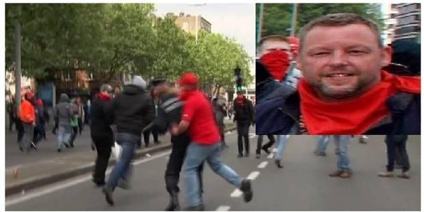 Appel à témoins: la police recherche ce manifestant qui a frappé le commissaire Vandersmissen - La Libre