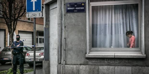 Le photographe Bas Bogaerts primé pour un cliché lors des perquisitions à Molenbeek - La Libre