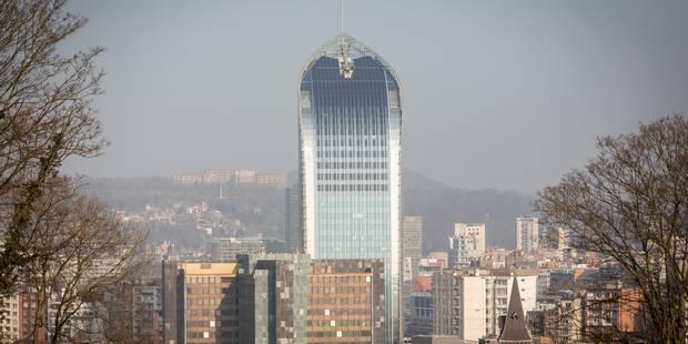 La tour des finances à Liège vidée par les affiliés de la CGSP - La Libre