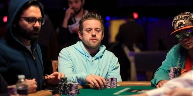 Exploit du Belge Kenny Hallaert qui se qualifie pour la finale des championnats du monde de poker - La Libre