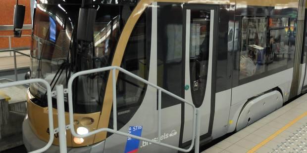 Cinq blessés légers à la station Rogier lors d'un incident de tram - La Libre