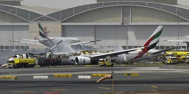 La panique à bord de l'avion d'Emirates accidenté à Dubaï filmée de l'intérieur (vidéo) - La Libre