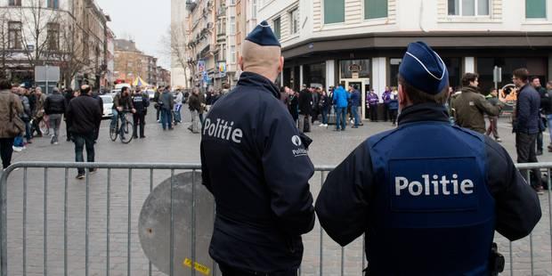 Un policier molenbeekois mouillé dans un trafic de voitures volées - La Libre