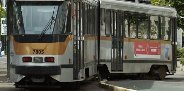 Un enfant coincé sous un tram à Koekelberg - La Libre