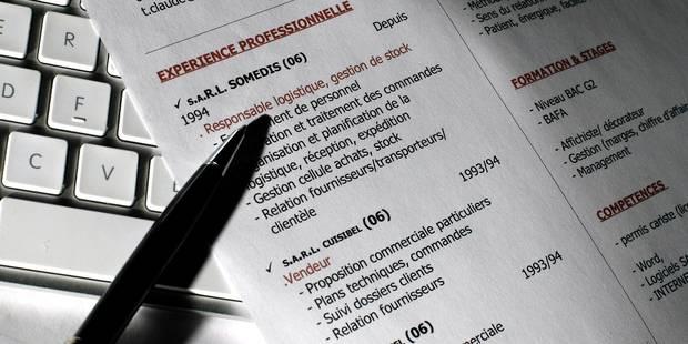 """Diplômé d'une licence avant 2008, devez-vous écrire """"Master"""" dans votre CV ? - La Libre"""