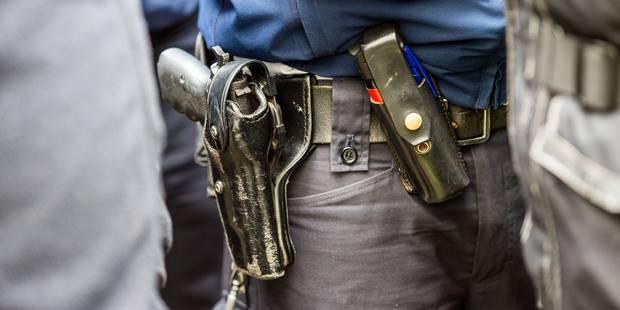 Perquisitions à Bruxelles et à Liège: deux suspects inculpés de participation à des activités terroristes - La Libre