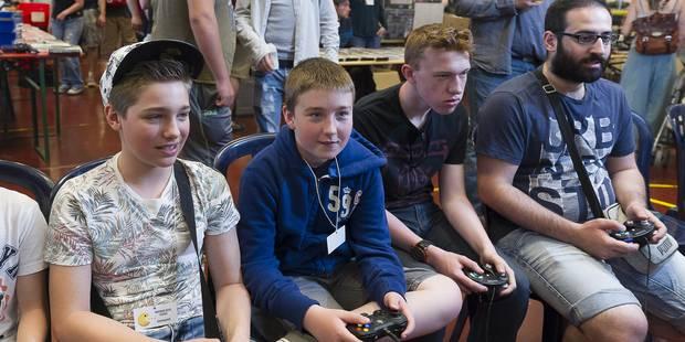 Le jeune consacre deux fois plus de temps au jeu vidéo qu'au sport - La Libre