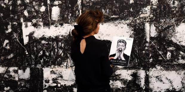 La collection Bowie exposée avant sa vente à Londres - La Libre