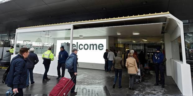 Brussels Airport: terminé les tentes de contrôle, les passagers entrent par des sas dans le hall des départs - La Libre