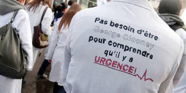 """""""Certaines facultés de médecine sont en danger"""" - La Libre"""