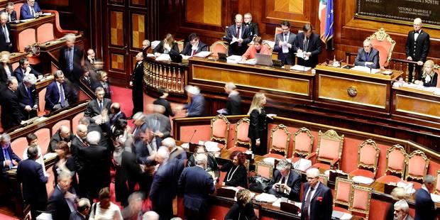 Renzi veut jouer sa dernière carte dans un retour aux urnes compliqué - La Libre