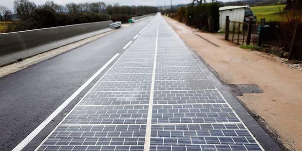 Une route recouverte de panneaux solaires en France - La Libre