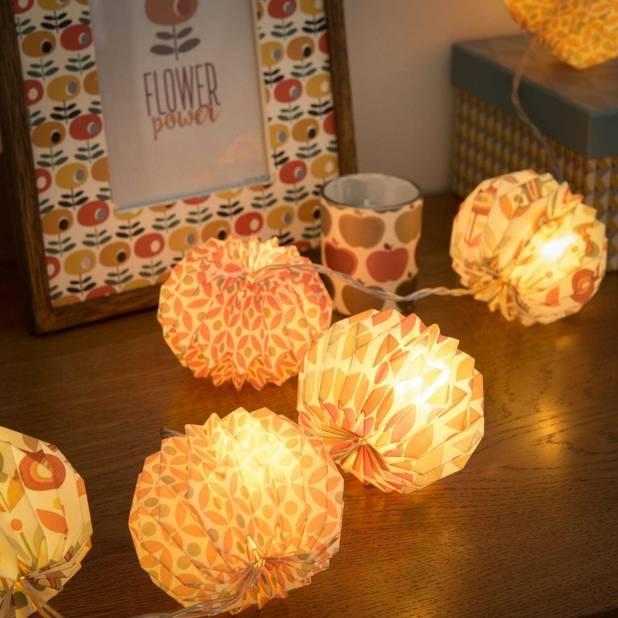 Guirlande lumineuse en papier,   Maisons du Monde, 22,99€