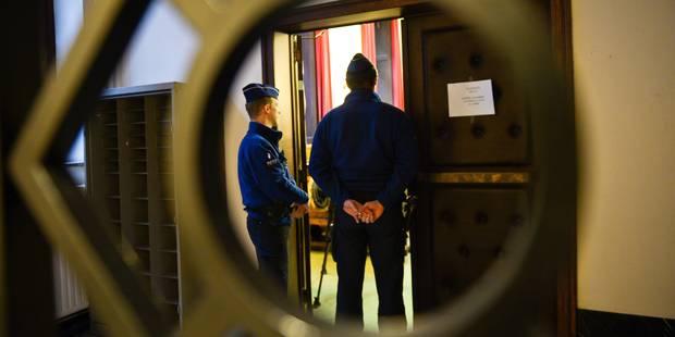 Croquis de justice: Quand un banal contrôle de police vire au pugilat - La Libre
