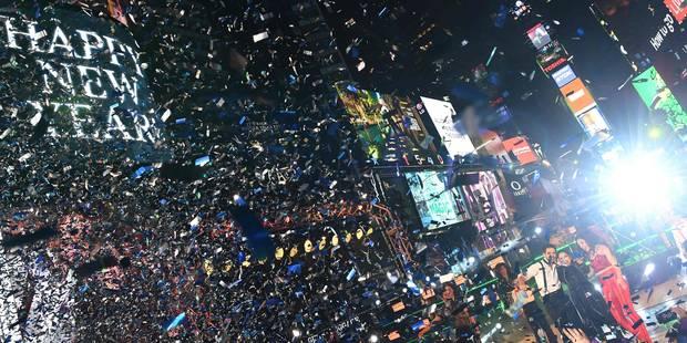 Un million de personnes pour la tombée de la boule à Times Square à New York (PHOTOS et VIDEOS) - La Libre