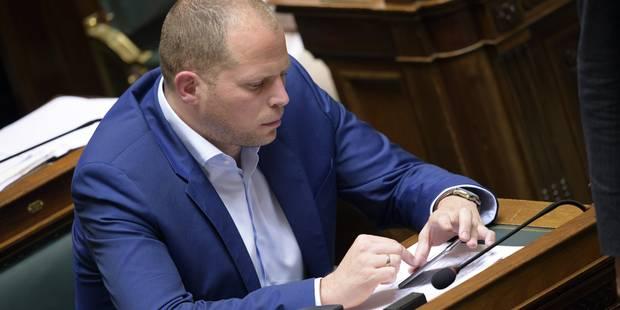"""Francken : """"Les demandes de régularisation en chute libre en raison du prix"""" - La Libre"""