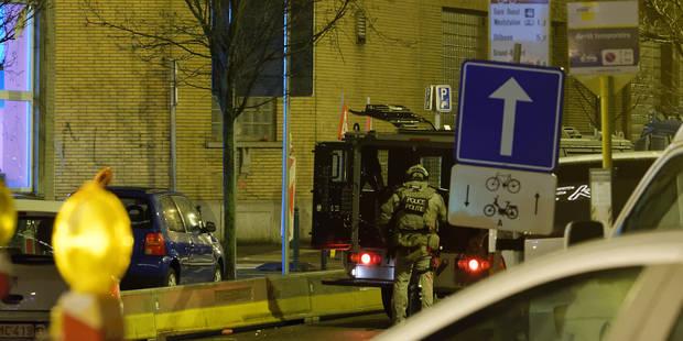 On cherchait des armes à Molenbeek (VIDEO) - La Libre