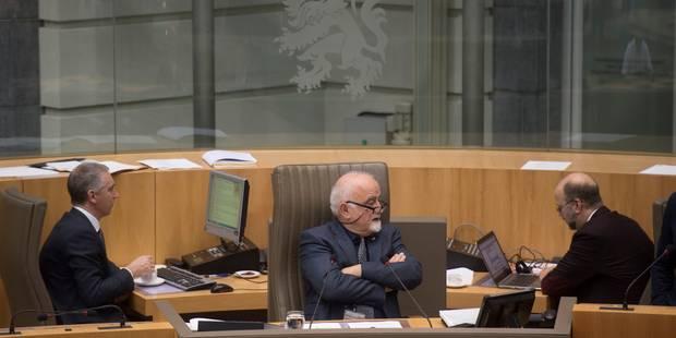 Accord au sein du parlement flamand sur le relèvement de l'âge de la retraite des élus - La Libre