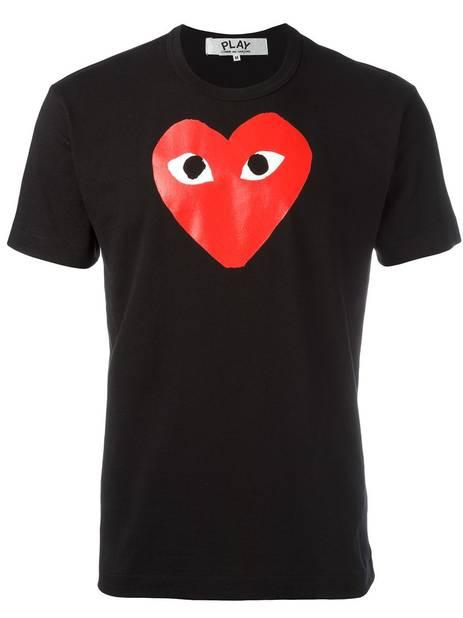 T-shirt Comme des garçons Play, 148 €,  www.fartech.com