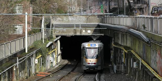 Déraillement d'un tram à Bruxelles : circulation interrompue entre Gare du Midi et Albert - La Libre