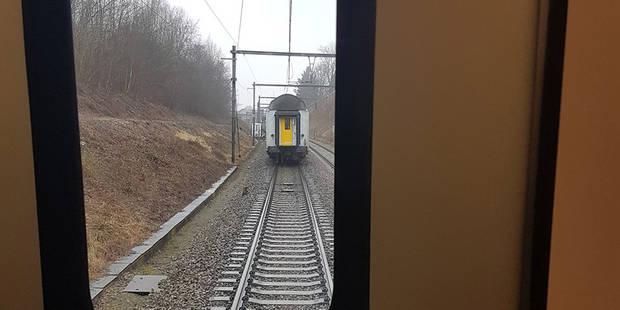 Un train perd son wagon rempli de passagers près de Liège - La Libre